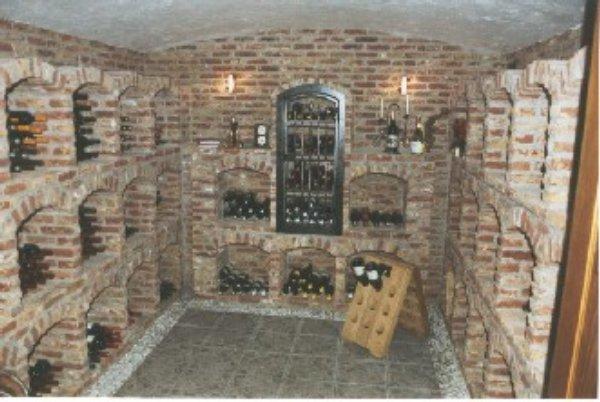Inrichting van de wijnkelder enkele basisregels wijnkennis - Wijnkelder ...